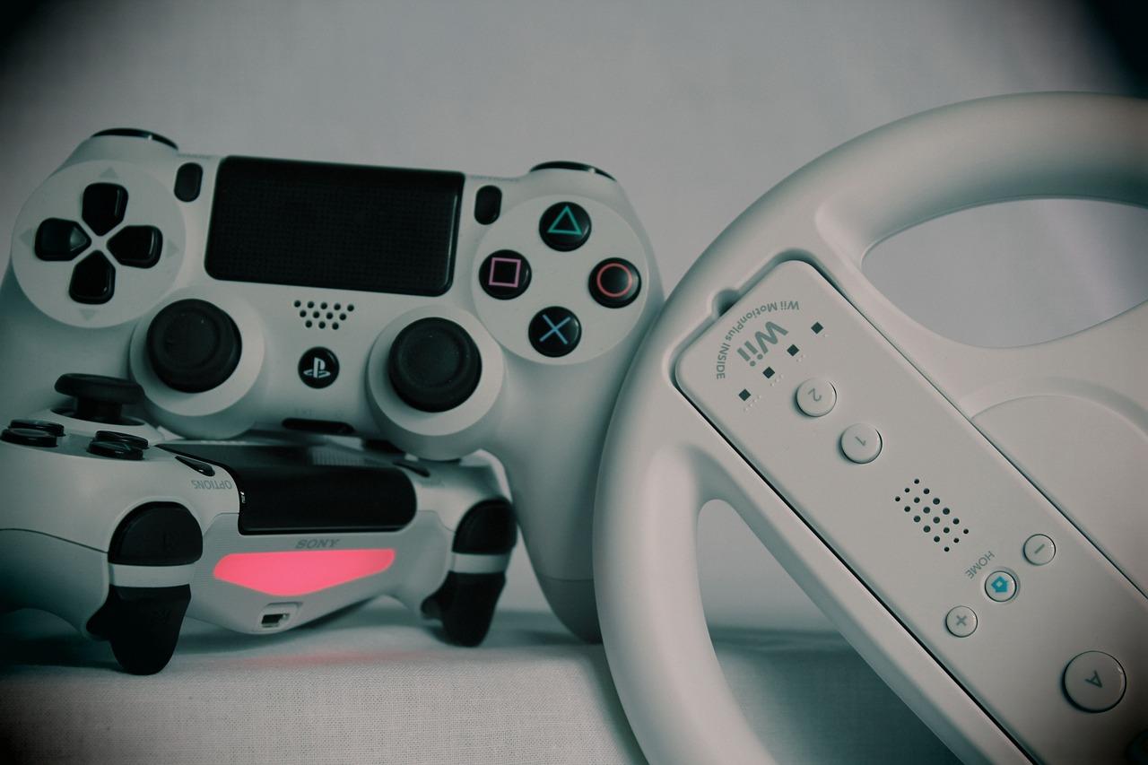 Jouer au jeu vidéo pour faire passer le temps en cette période de confinement.